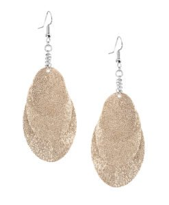 Bubbles Party gold earrings can be worn even with a scarf or a turtleneck shirt.Finally eye-catching (10.5cm) and comfortable (Only 7g!) earrings made from luxurious Italian goat leather, which look gorgeous on anyone regardless of the length of their neck.