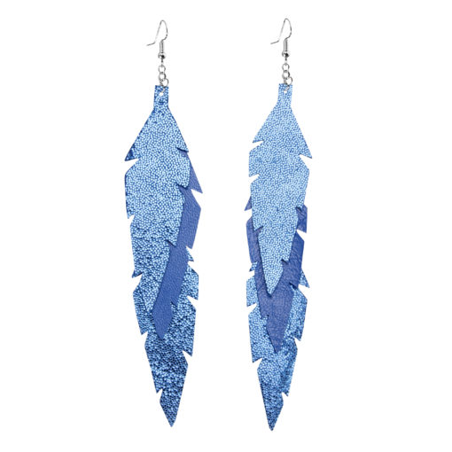 Midi Feathers Feathers in glitter blue are beautiful and lightweight (Only 6 g!) eye-catching (14.5cm) and very comfortable leather earrings. Thanks to their user-friendly chain these earrings can be worn even with a scarf or a turtleneck shirt.