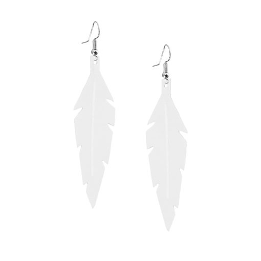 Midi Feathers in white are beautiful eye-catchers guaranteed to transform your style within seconds. The earrings are extremely light to wear and made of Italian goat leather.