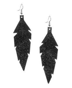 Midi Feathers in glitter black are beautiful eye-catchers guaranteed to transform your style within seconds. The earrings are extremely light to wear and made of Italian goat leather.