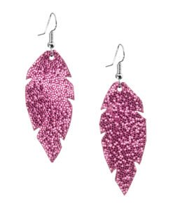 Petite Feathers glitter pink are light and delicate eye-catchers. Due to their size and lightness they are suitable for wearers of all ages, and are often the our customers' first pair of Viaminnet -earrings.