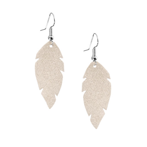 Petite Feathers champagne are light and delicate eye-catchers. Due to their size and lightness they are suitable for wearers of all ages, and are often the our customers' first pair of Viaminnet -earrings.