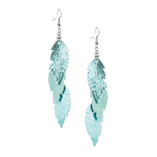 Petite Feathers Feathers in glitter turquoise are eye-catching earrings (length 11.5cm) that can be worn even with a scarf or a turtleneck shirt. Light as a feather earrings from luxurious Italian goat leather, which look gorgeous on anyone regardless of the length of their neck.