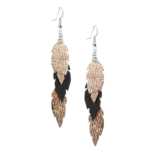 Petite Feathers Feathers in rose gold - black are eye-catching earrings (length 11.5cm) that can be worn even with a scarf or a turtleneck shirt. Light as a feather earrings from luxurious Italian goat leather, which look gorgeous on anyone regardless of the length of their neck.