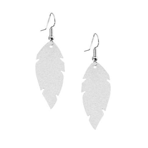 Petite Feathers frost are light and delicate eye-catchers. Due to their size and lightness they are suitable for wearers of all ages, and are often the our customers' first pair of Viaminnet -earrings.
