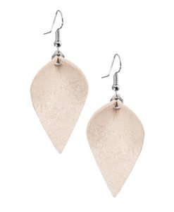 Lumme Petite earrings in champagne are inspired by the most beautiful decoration of Finland´s lakes, the water lily – Lumme.These lightweight exclusive Italian goat leather made elegant earrings size is ideal for everyone to wear.