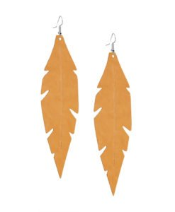 Grande Feathers Okra are beautiful, eye-catching (14.5cm) and lightweight (Only 7g!) leather earrings for women who have the courage to be seen and for women who need encouragement to be seen.They are also perfect earrings for upgrading your everyday style.
