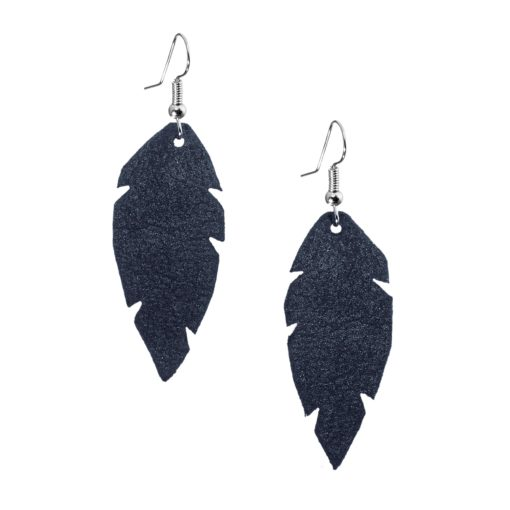 Petite Feathers night blue are light and delicate eye-catchers. Due to their size and lightness they are suitable for wearers of all ages, and are often the our customers' first pair of Viaminnet -earrings.
