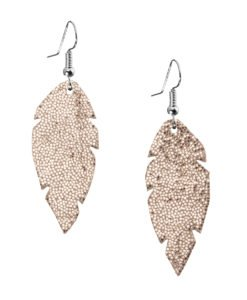Petite Feathers glitter gold are light and delicate eye-catchers. Due to their size and lightness they are suitable for wearers of all ages, and are often the our customers' first pair of Viaminnet -earrings.