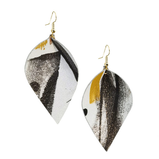 Viaminnet x Lotta Sirén Leather Earrings No. 403 Making My Mark Earrings