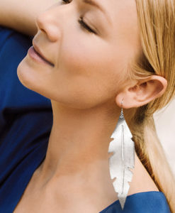 Viaminnet Feathers Grande Silver Mirror Leather Earrings